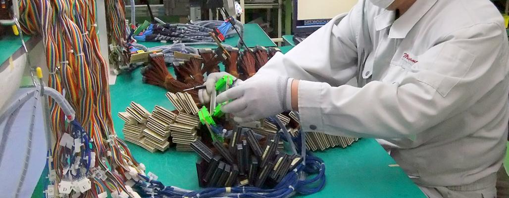 ケーブル加工・電子部品のハンダ付けならミヤマ電子にお任せ下さい。